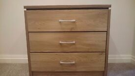Chest of Drawers - Very Good Condition!