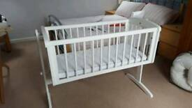Mamas & Papas White Swinging Crib