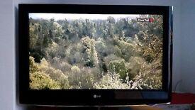 32 Inch LG Flat Screen TV