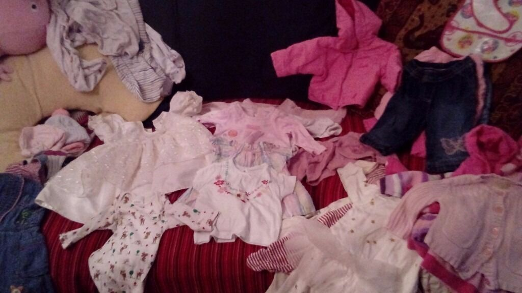 Newborn girl clothes bundle for salein Wishaw, North LanarkshireGumtree - Newborn baby clothes bundle for sale. 31 piece. In very good conditions. Just collection locally