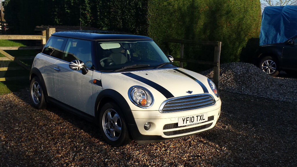 mini cooper diesel pepper white with bonnet stripes black roof and blackjack wing mirrors in. Black Bedroom Furniture Sets. Home Design Ideas