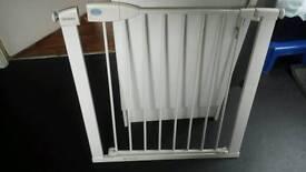 Metal gate to doors stairs 76-86cm