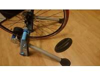 tacx blue twist turbo trainer and road wheel