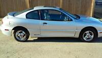Low Milage 2004 Pontiac Sunfire