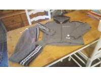 Sonneti tracksuit only worm couple of times size 13/15 years