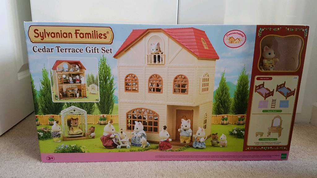 Sylvanian families cedar terrace house gift set with cat and furniture