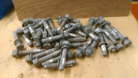 M16 CONCRETE ANCHOR THROUGHBOLTS. (39 Pieces)