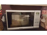 Hitachi 900W E Microwave