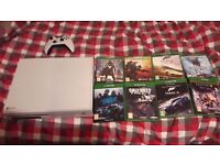 Xbox One White - 500GB Edtion (Accepting swaps for PC or PS4) Comes with 8 Games.