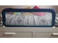 Kids bed guard / bed rail