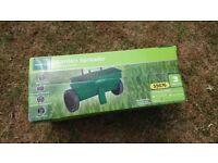 Gardenline GLS 12 Lawn Spreader / Seeder