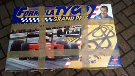 Tyco Nigel Mansell - Scalextric F1 Car racing track and two brochure catalogues from 1976