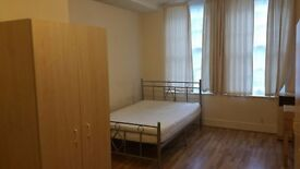 Self contained studio flat in Enfield-Church Street , £165 pw.excl.Council Tax and water rates