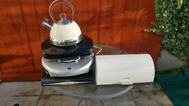 Various kitchen appliances / other stuff