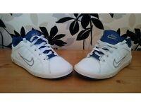 Nike women`s tennis trainers Size Uk 5,5, eur 38,5