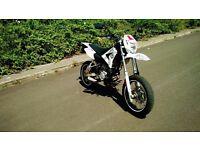 WK / CPI SM 50 2011 | White | 4000miles | MOPED | 50cc SUPERMOTO | ROAD LEGAL |OVNO