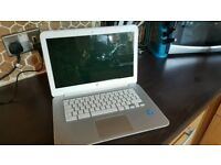 White hp chrome laptop in good condition