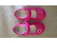 Girls Clark's, brand new pink shoes. Size 5 1/2 F