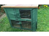 Rabbit or guinea Pig hutch with cover £20 ono