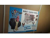 Harrys Chicken Hotel Extra Large. Brand new, still boxed