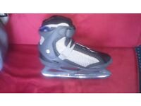 Softec Jackson Ice Skates S7/8 New with LL Bean Bag