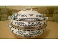 Double tureens. Blue and White.