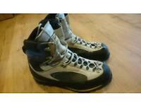 Size 9.5 Scarpa freney xt gtx B3 mountaineering boots