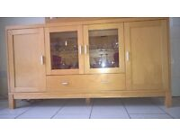 Display cabinets et / sideboard with glass doors and lighting