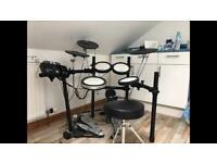 Yamaha DTX 542K electronic drum kit. Perfect condition