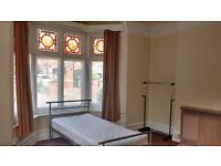 Large single bedsit. Hereford city centre. £85 pw.
