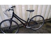 TOWN-BIKE CLAUDE BUTLER LEGEND TOWN-BIKE 21 SPEED 700 CC WHEELS AVAILABLE FOR SALE