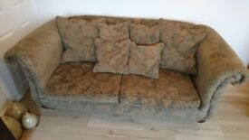 Top Quality (Leftons) Sofa For Sale, In Excellent Condition & with Scatter Cushions. *CAN DELIVER*