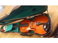 Skylark 4/4 size Violin complete with case, bow and Rosin