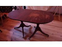 vintage extendeble dining table