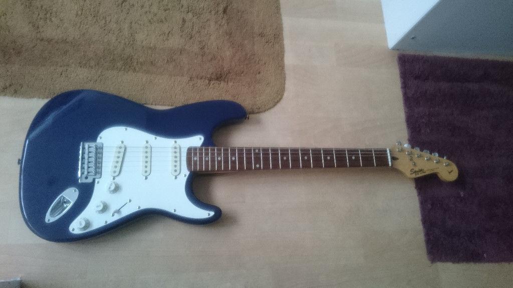 Squier by Fender Stratocaster Korean 1997 in Navy Blue, solid alder body, Korea