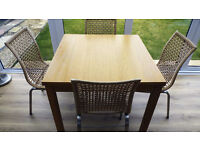 Extendable Dining Tabel & Four Chairs