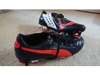 Puma size 7 football boots