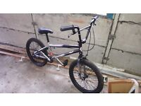 REDUCED PRICE Mongoose BMX Barely Used was £400 brand new comes with a lock. Make me an offer