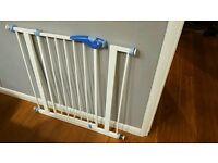 Lindam Stair Gate Baby Safe