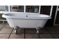 White bath with Cast Iron Claws