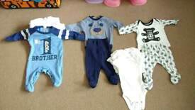Baby boy clothes new born and 0-3 mc