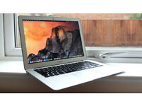 Macbook AIR 2014 13 inch , i5 4 GB - 128 GB . Office 2016