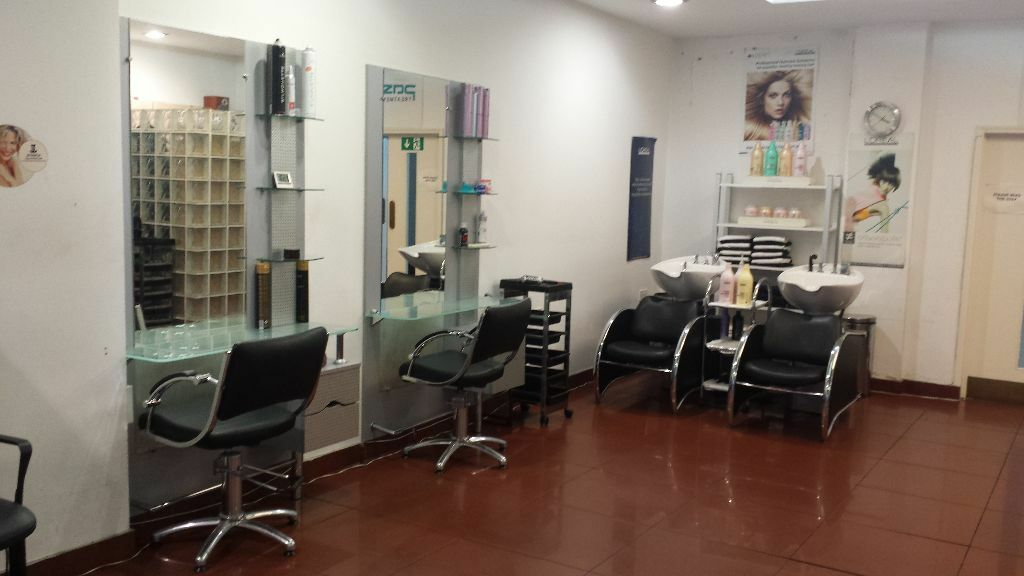 Chair To Rent In A Hair Salon