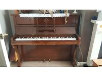 Old Berry Piano for free