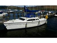Hunter legend 240 24ft yacht sailing boat with trailer