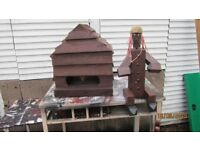 GARDEN WOODEN BIRD BOX AND WOODEN MAN BROMLEY BR2