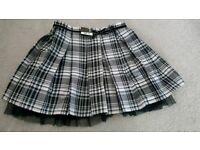 BNWT girls skirt age 8-9