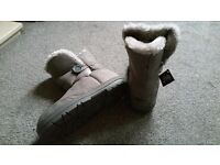 BRAND NEW HOLLY STYLE UGG BOOTS