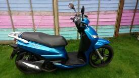 Peugeot tweet 125 ve scooter