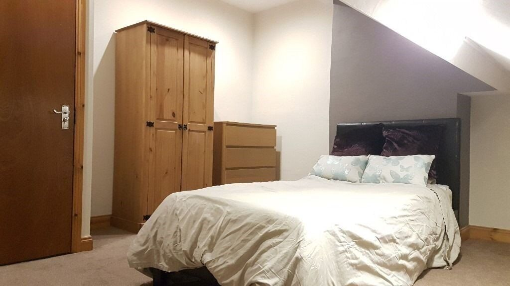 A Fully furnished attic room in a warmly house. great location, all bill included